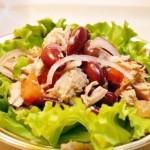 Салат из тунца с фасолю